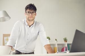El emprendedor español es menor de 35 años y con estudios superiores