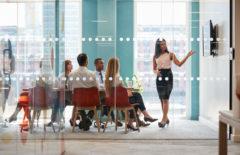 Liderazgo participativo: qué es y características principales